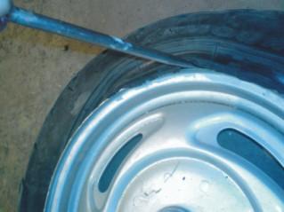 Кликните чтобы увеличить :: Разбортовка и забортовка колеса  (камера)