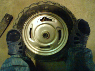 Разбортовка и забортовка колеса (камера)